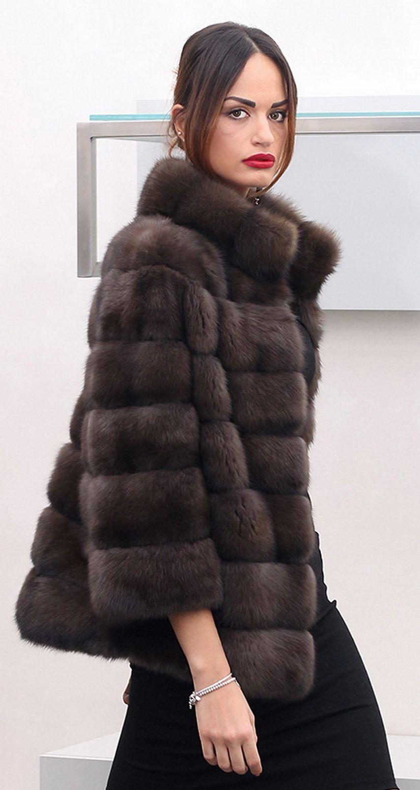 Pin di Carol Morales su Fur, love it | Giacche con pelliccia