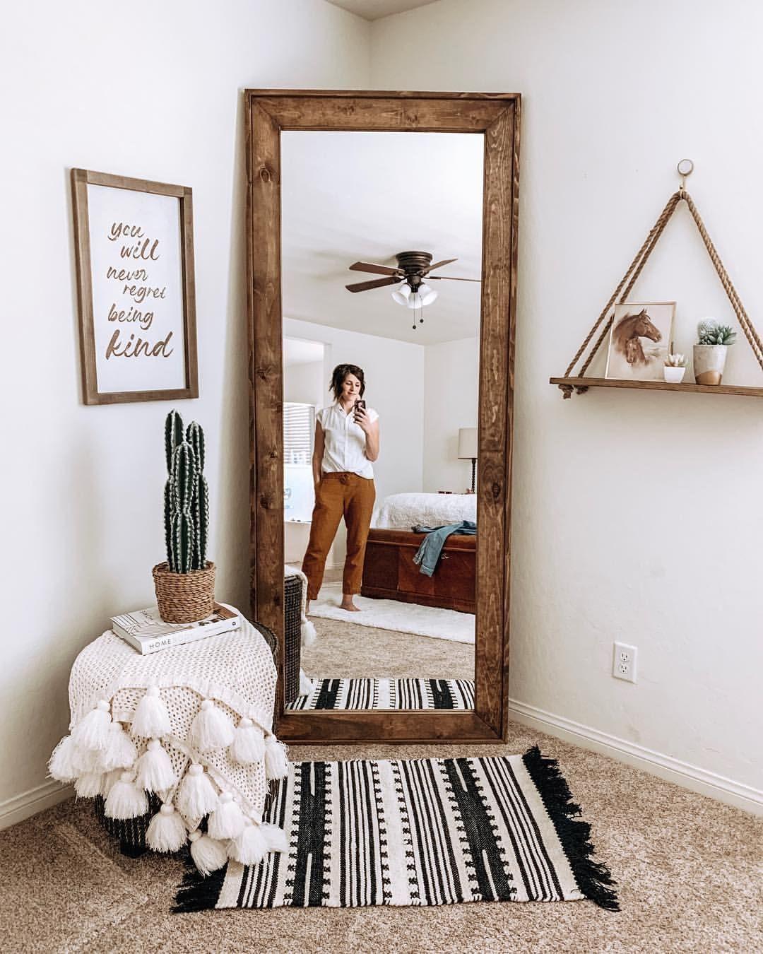Spiegel. Holzspiegel. Ganzkörperspiegel. Schlafzimmer. Hauptschlafzimmer. Boho Bauernhaus ...