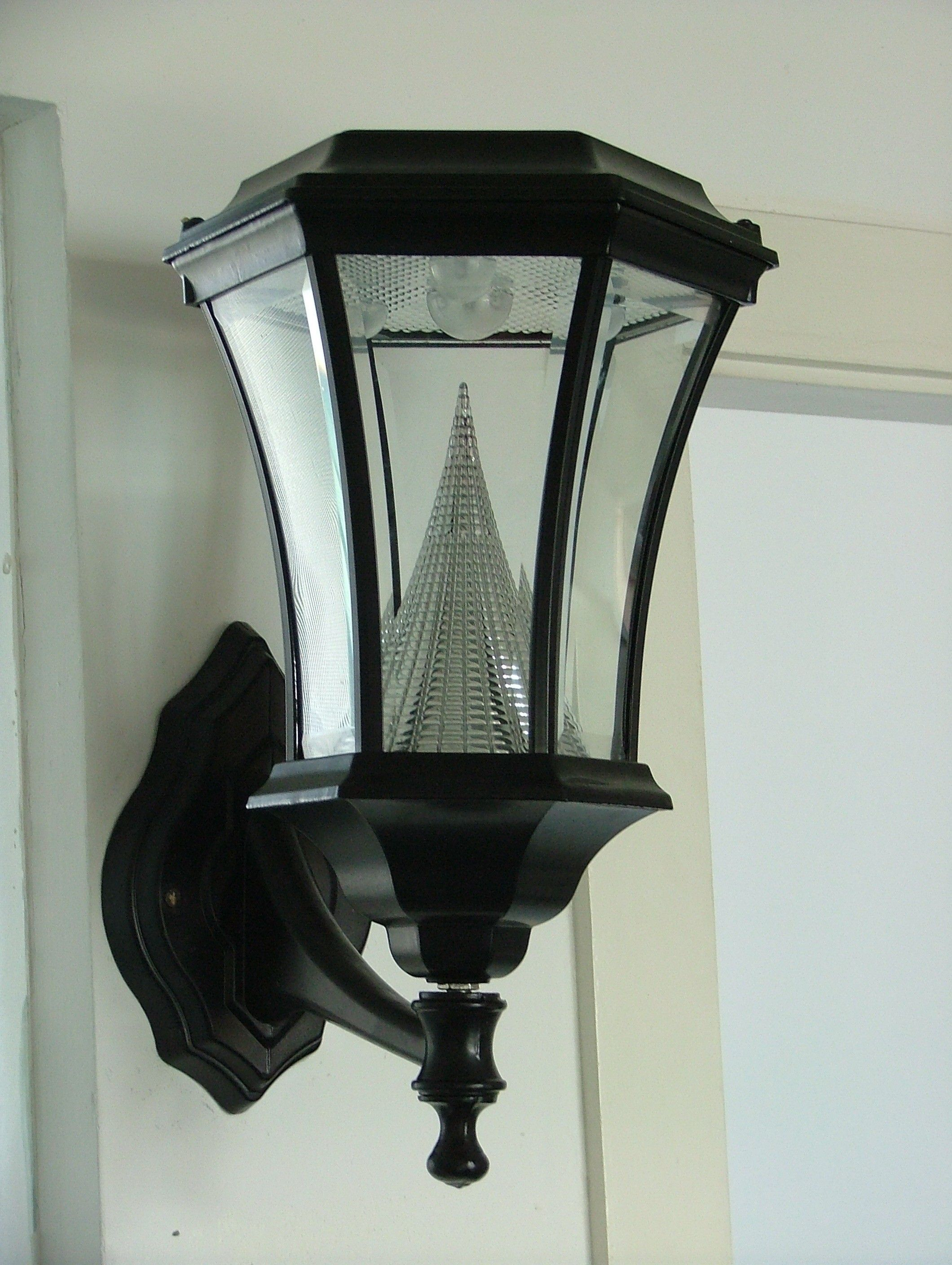 This beautiful wall fitting solar light comes ready to install to ...