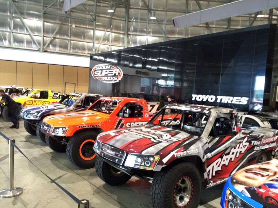 motor 39 n stadium super trucks presented by traxxas return. Black Bedroom Furniture Sets. Home Design Ideas