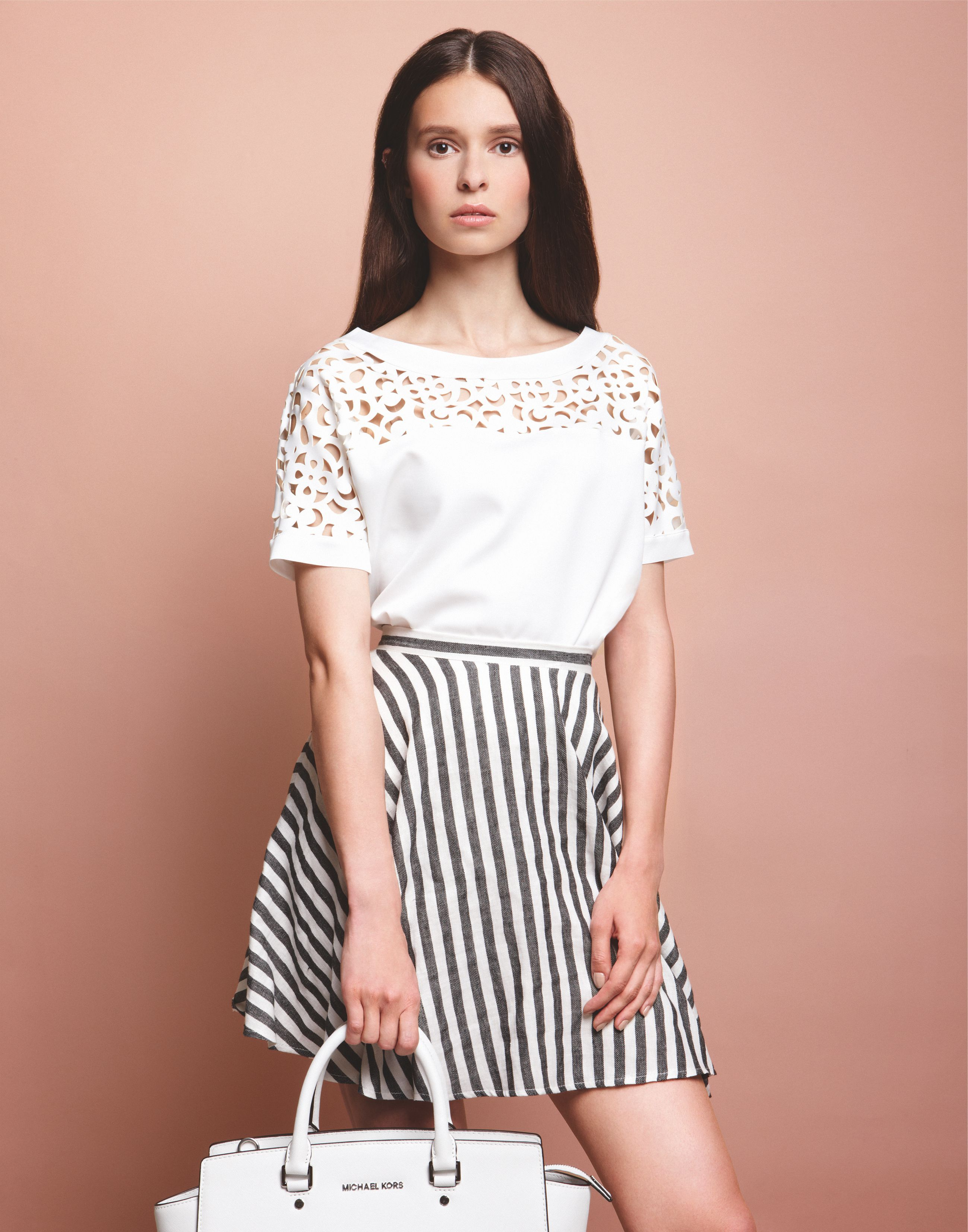 Moderns #lasercut #Shirt trifft den #Klassiker #Streifen - perfektes #Paar für den #Sommer