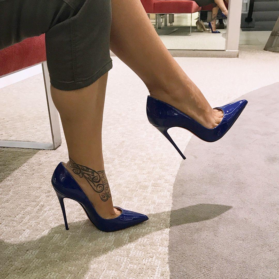 code promo c992a c152e Épinglé sur hot heels and hose