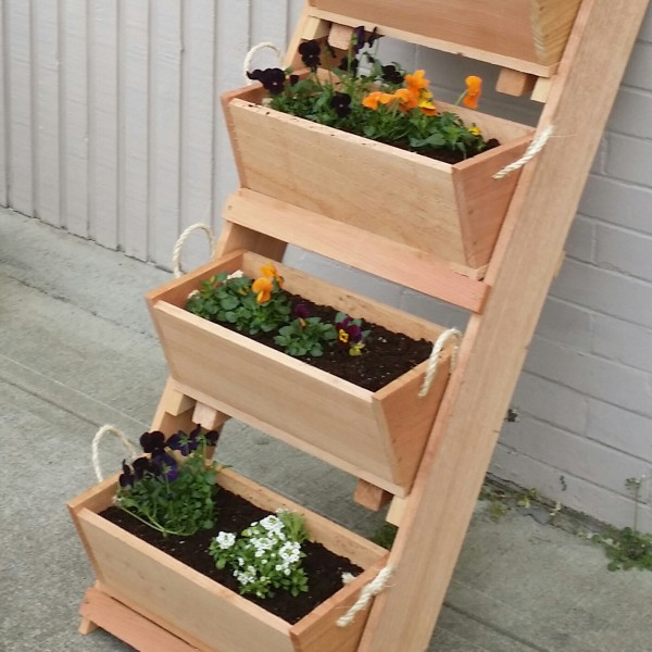 RopedOnCedar specializes in large gardening planters for