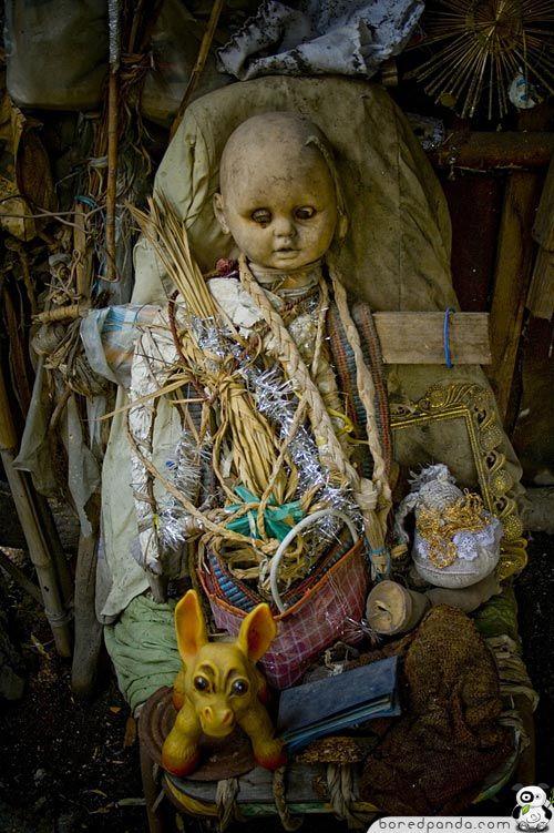 Creepy Island Of The Dolls (19 Pics)