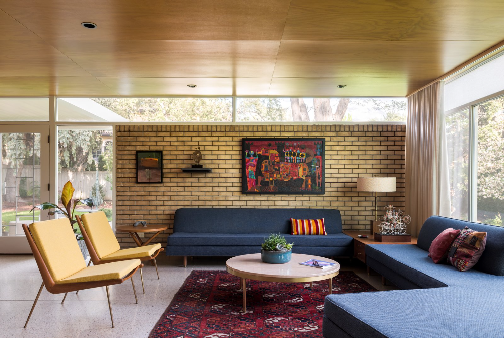 Photo 6 Of 14 In An International Style Midcentury Masterpiece In In 2021 Mcm Living Room International Style Mid Century Interiors