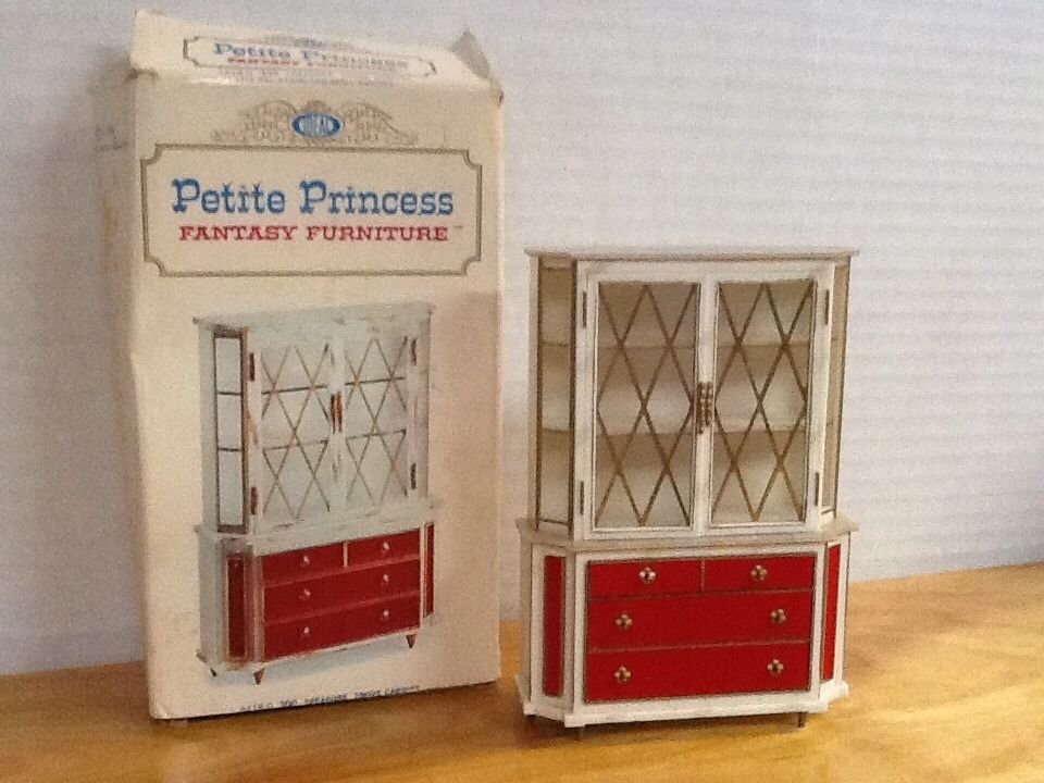 IDEAL Petite Princess TREASURE TROVE CABINET Vintage DINING Dollhouse  Furniture Z