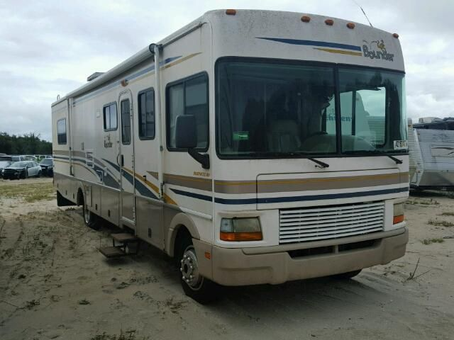 Salvage 2002 Fleetwood Bounder Recreational For Sale