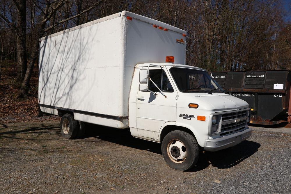 Item 1 1987 Chevrolet G30 Box Truck Vin 2gbhg31k9h4110239 Mileage 23830 Title And Keys Available Start Recreational Vehicles Surplus Auction Trucks