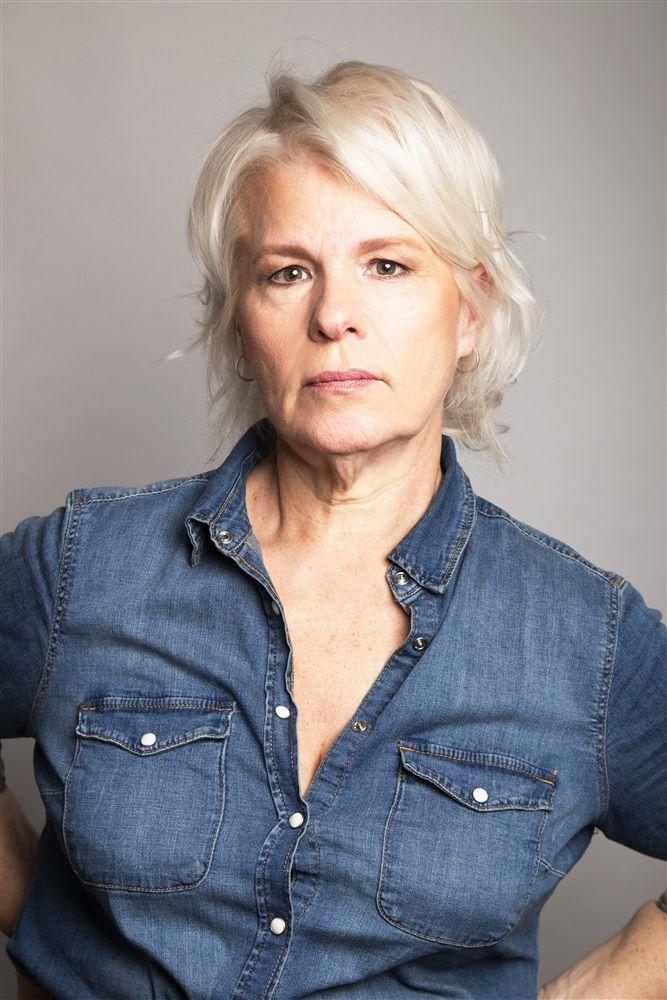 Catherine Hosmalin- Fiche Artiste  - Artiste interprète - AgencesArtistiques.com : la plateforme des agences artistiques