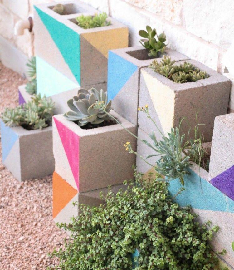 Jardiniere En Beton Diy En Parpaings Pour Les Plantes Grasses Jardiniere Beton Jardinieres Diy Et Jardin De Plantes Grasses