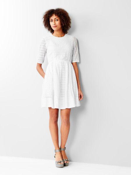8cd2c1d5afab Gap Women s White Eyelet 3 4 Sleeve Fit   Flare Dress Size 8 Petite