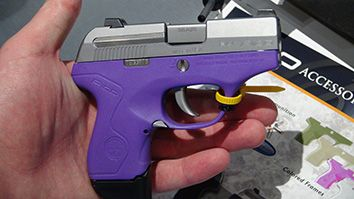 Beretta Pico. want one but with the pink bottom. - http://www.rgrips.com/en/article/84-blaser-r93-lrs-2