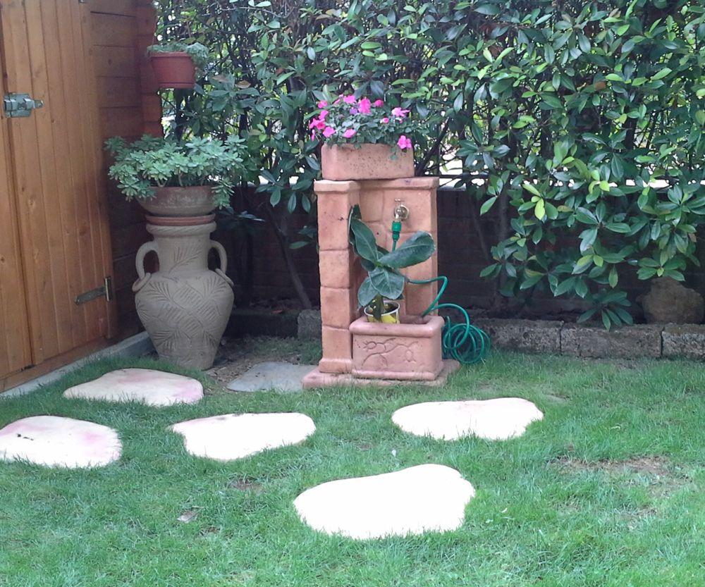 Pozzi Decorativi Da Giardino : Fontana da giardino mod fonte antica finitura mattone piastre