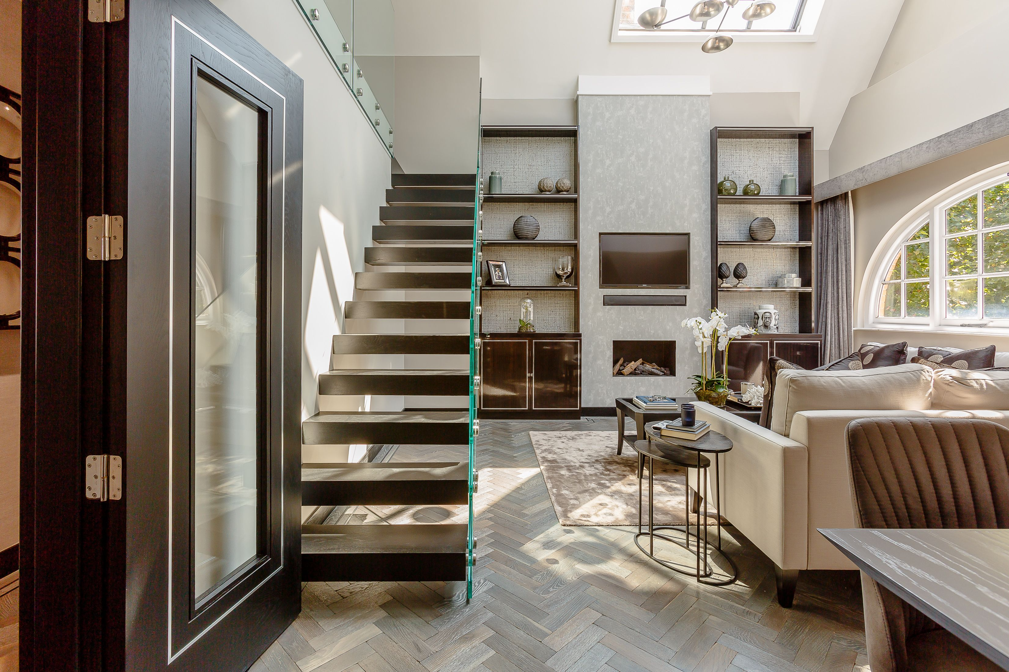 Sophisticated Urban Penthouse With Soaring Ceilings And Well Appointed Fixtures And
