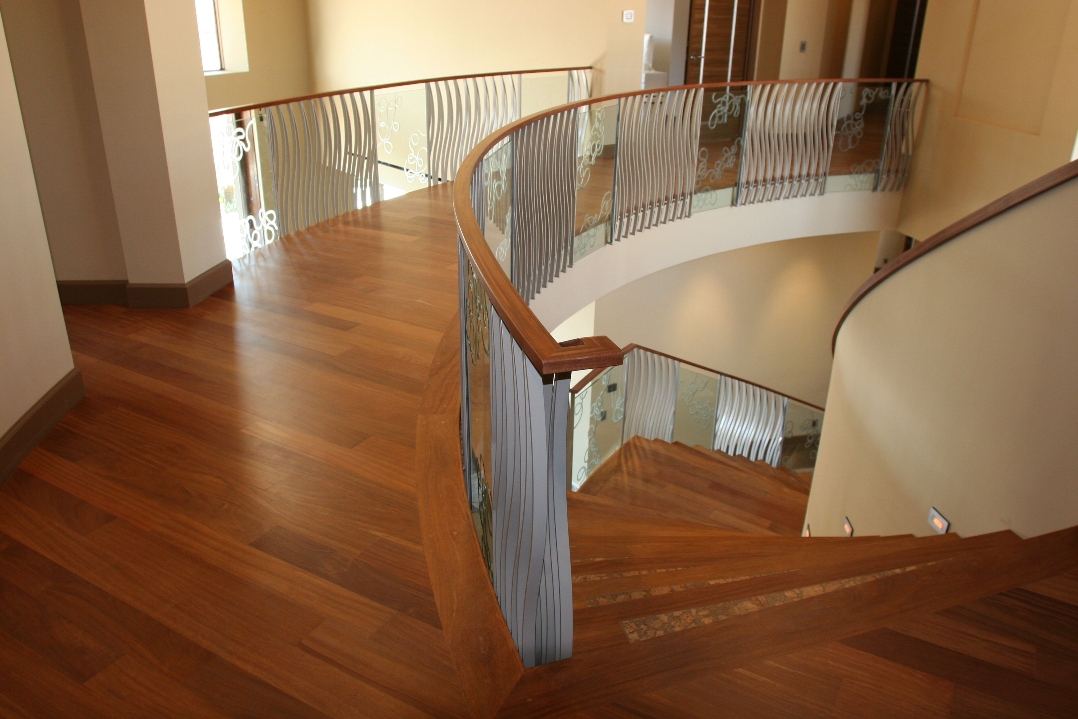 Best Brazilian Cherry Floor Sapele And Cork Inlay Stairs 400 x 300