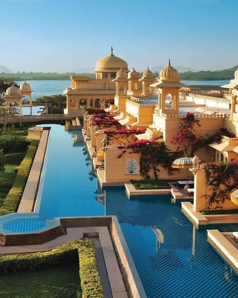 Set amid gardens and overlooking Lake Pichola, this luxury