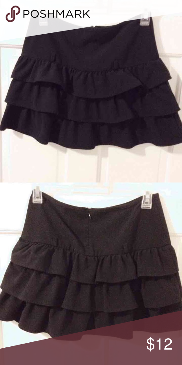 Black Ruffle Skirt Juniors size 16 Bottoms Skirts
