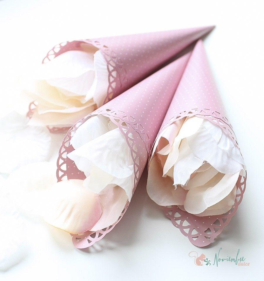 Conos para pétalos, arroz o confeti. For wedding rice and flowers