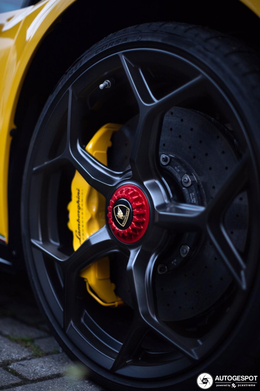 Lamborghini Huracán LP640-4 Performante Spyder - 20 October 2019 - Autogespot #lamborghinihuracan Lamborghini Huracán LP640-4 Performante Spyder - 20 October 2019 - Autogespot #lamborghinihuracan