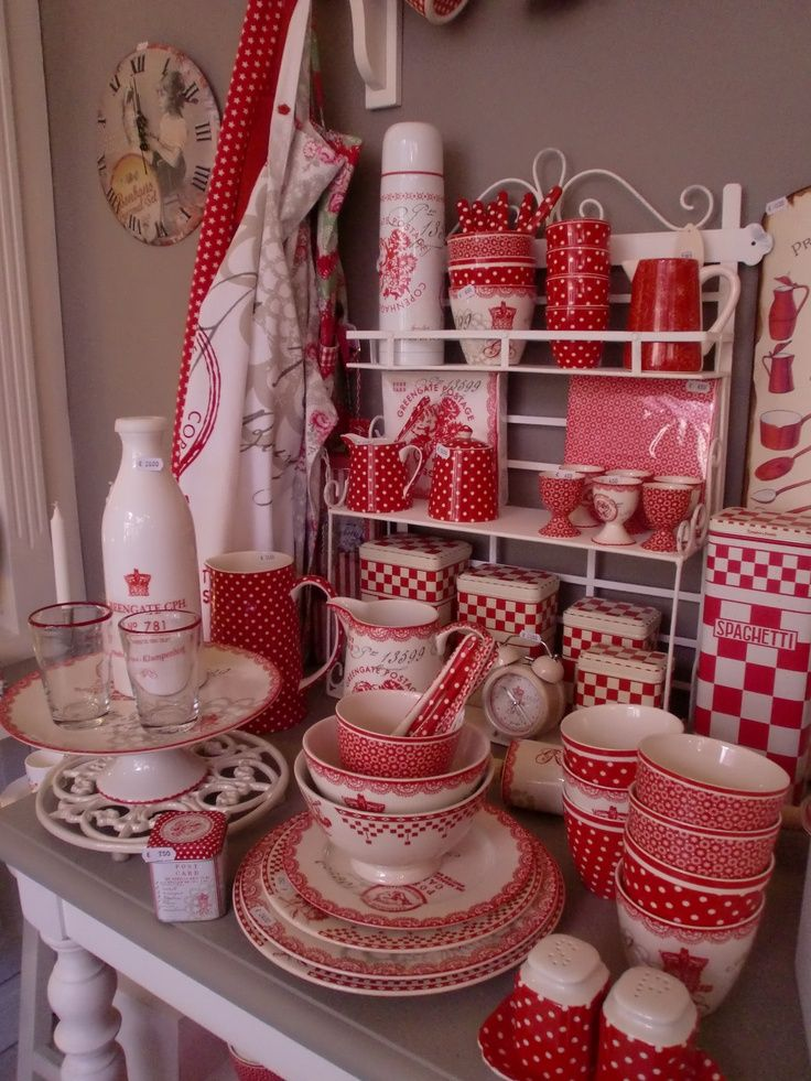 tableware red and white polka dots dishes and kitchenalia pinterest rot rot weiss und. Black Bedroom Furniture Sets. Home Design Ideas