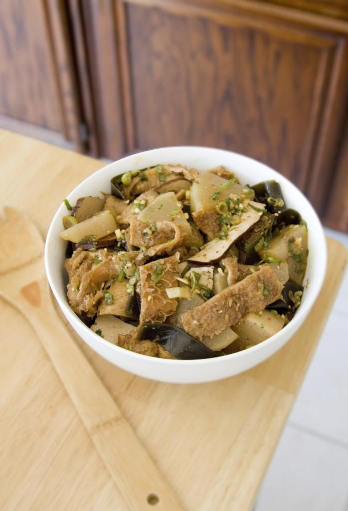 Chinese colddish with beef tripe kombu daikon and bean curd in dishes recipes chinese colddish with beef tripe kombu daikon and bean curd in spicy forumfinder Images
