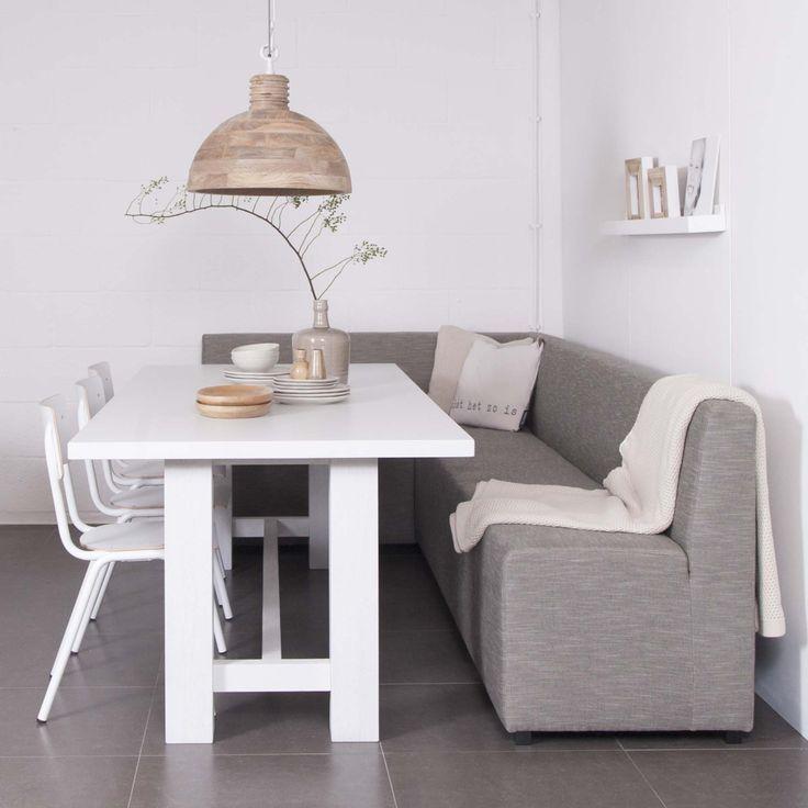 Eine Couch An Ihrem Esstisch Die Um Die Ecke Geht Wir Haben Es In Vielen Grossen Farben Erhaltlich Haus Vo Wohnen Und Leben Kuchen Sofa Esszimmerdekoration