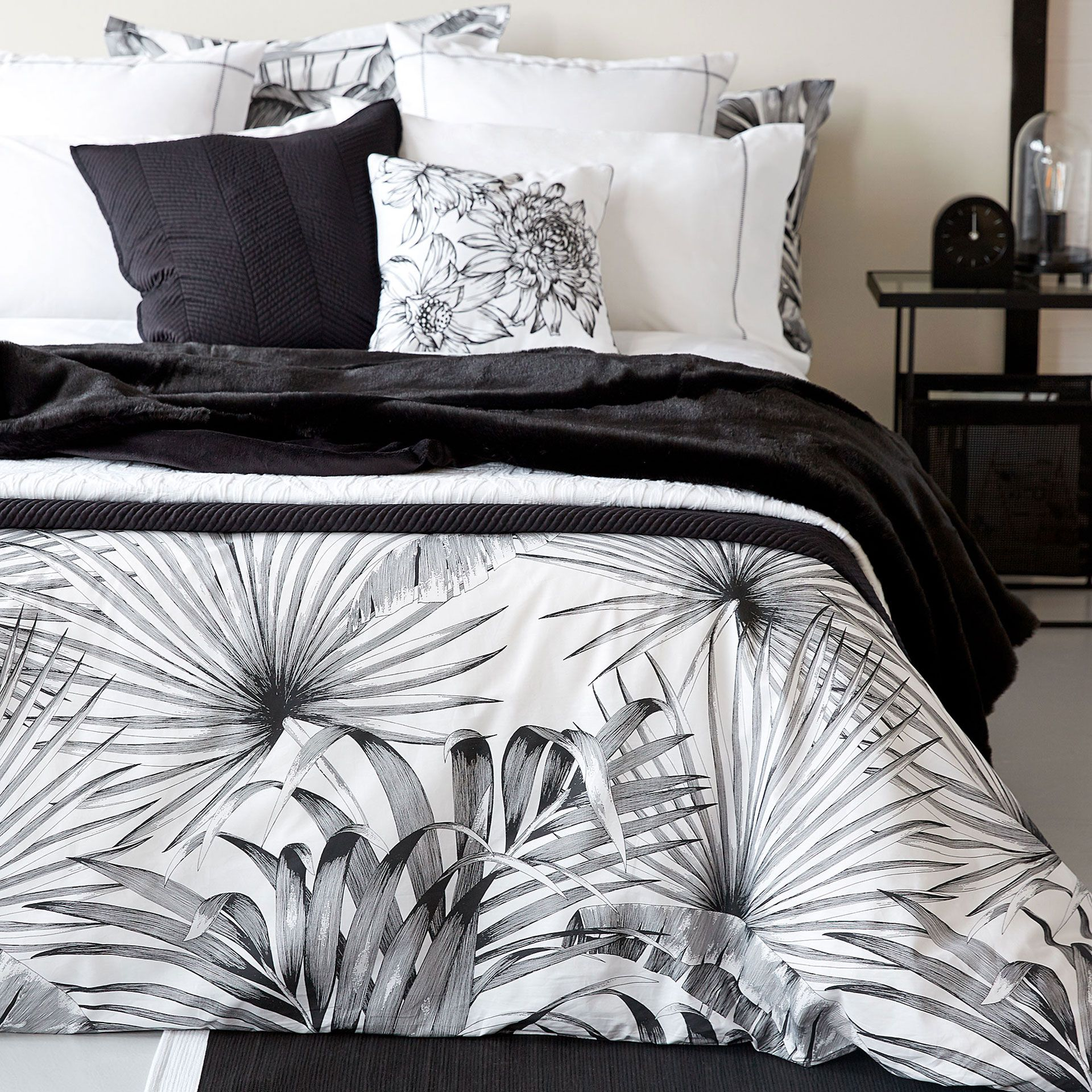 linge de lit coton imprim palmiers coton imprim palmiers et couettes. Black Bedroom Furniture Sets. Home Design Ideas