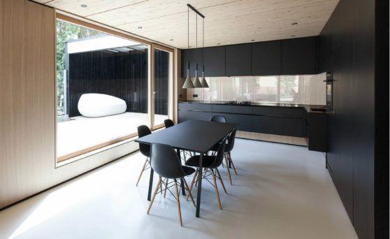 Esszimmer skandinavischer stil grau  Schwarze Designer-Küche: Moderne Küche im skandinavischen Stil ...