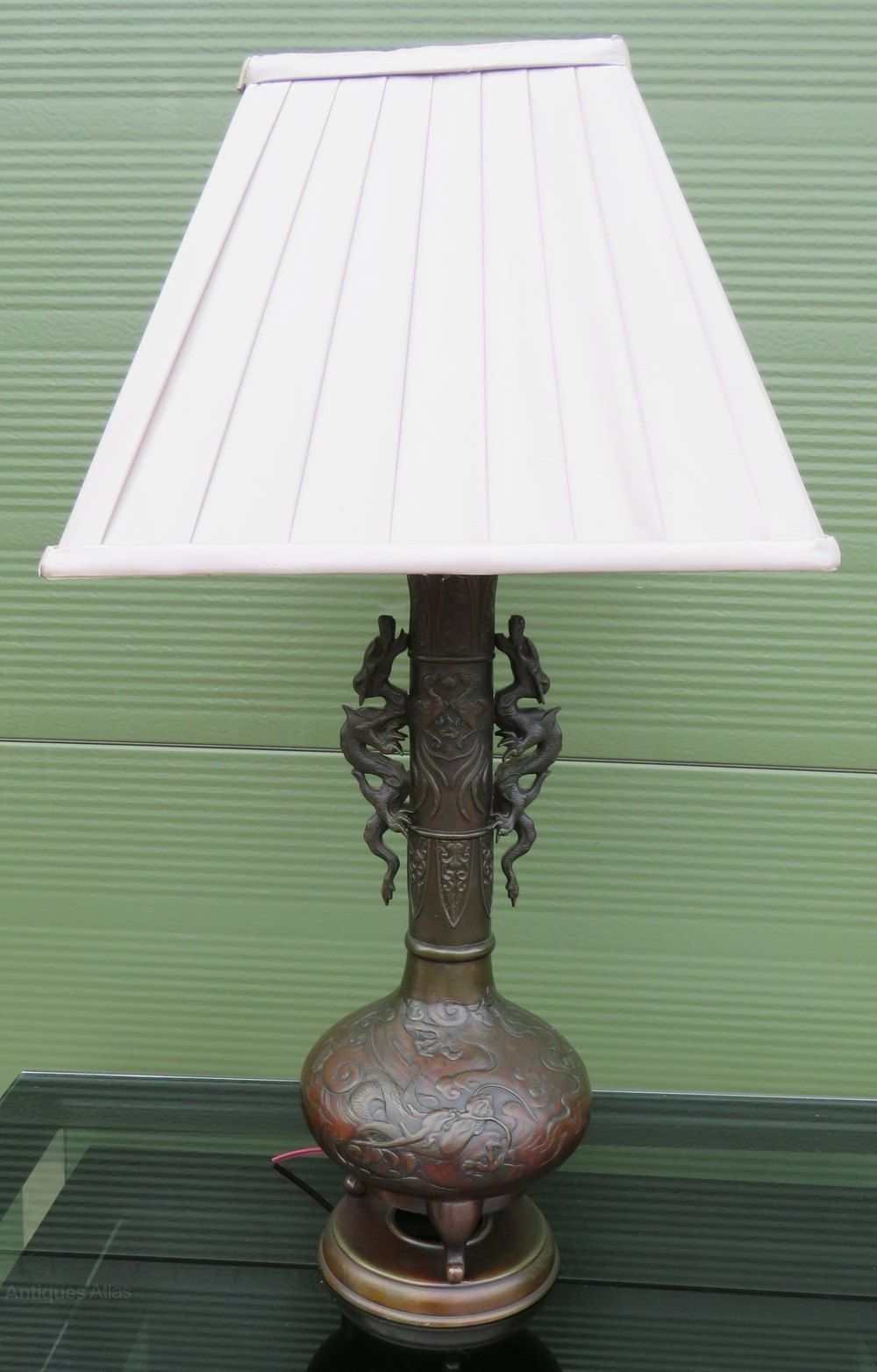 Cast Bronze Table Lamp In The Oriental Style Bronze Table Lamp