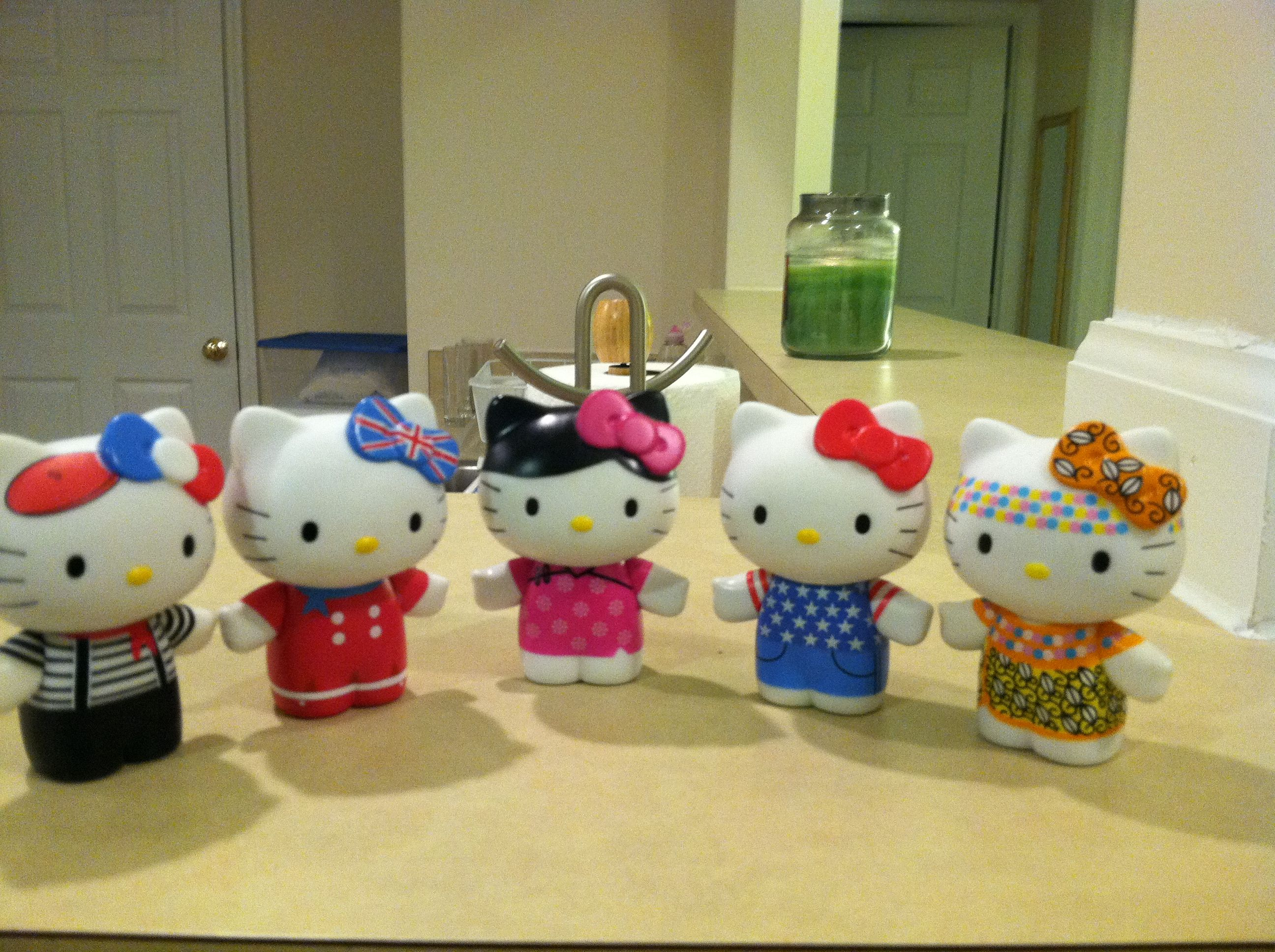 Hello Kitty from around the world! A friend if mine collects these!!!! So cute!