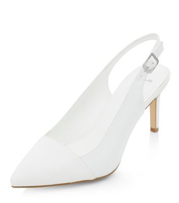 - Wide fit- Pointed toe- Sling back design- Heel height: 3