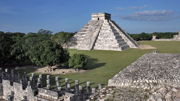 The Plaza At Chichen Itza With The Temple Of Kukulkan The Pyramid