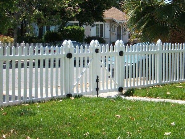grande clôture de jardin en bois blanc | Projet exterieur ...