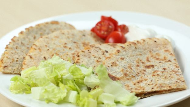 Dinner: Bean And Cheese Quesadilla | Here's How To Make 21 Healthy Meals For Under $50