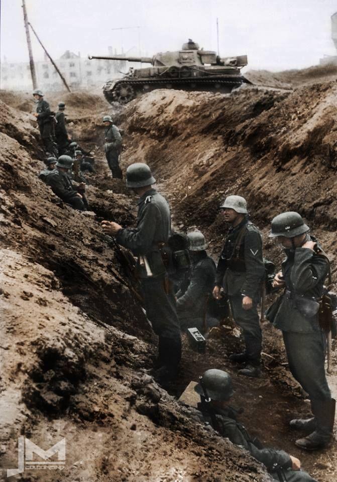 Panzergräben stellten Hindernisse für feindliche Panzerkampfwagen dar. Sie boten allerdings der gegnerischen Infanterie oft gute Deckungsmöglichkeiten.