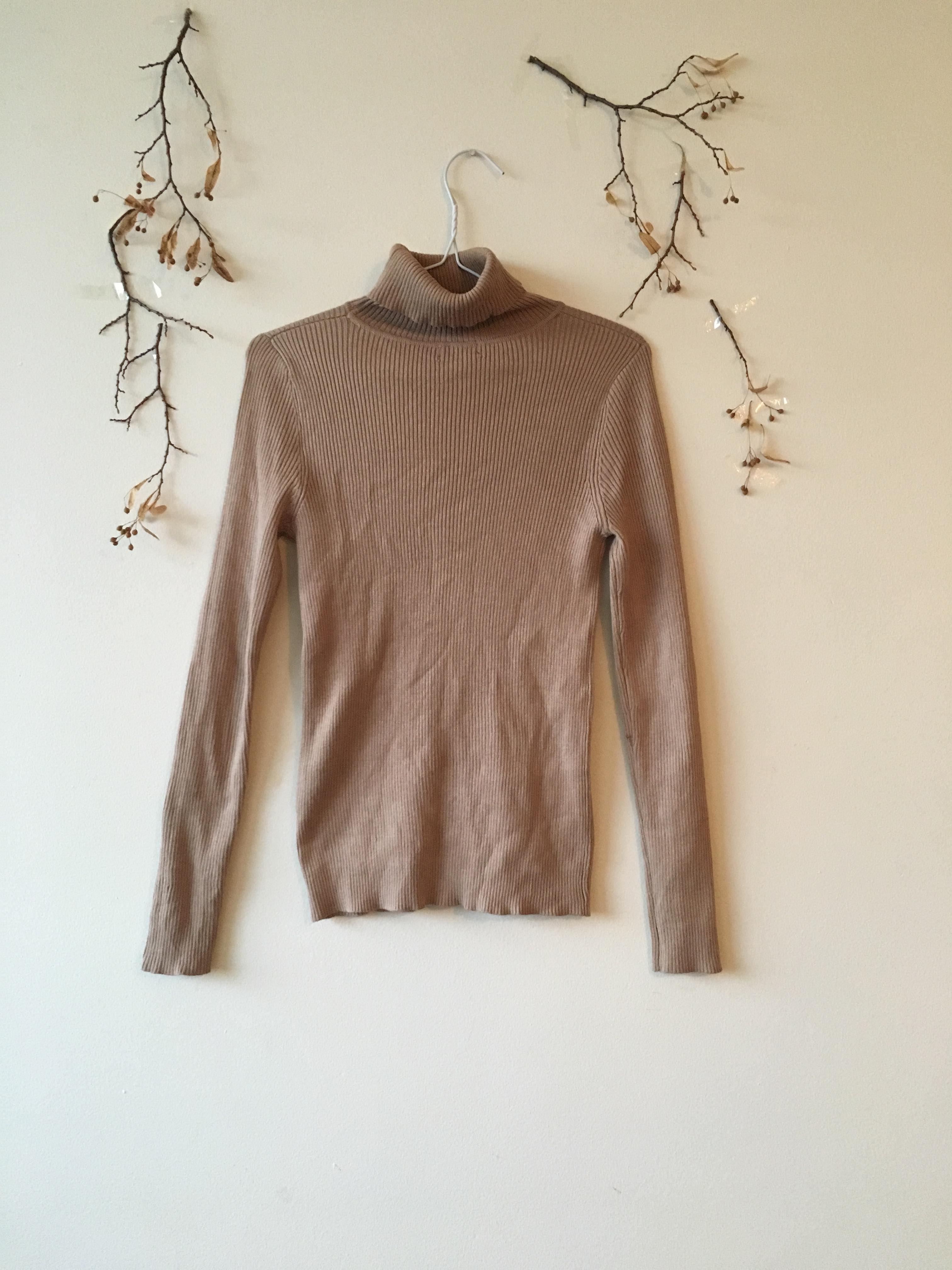 Vintage Ribbed Turtleneck Sweater