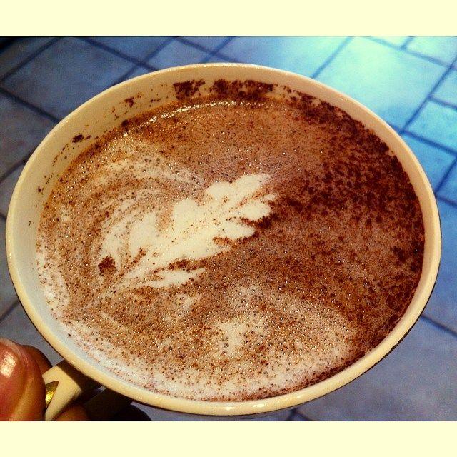 Chocolate Abuelita  Mexican style hot chocolate prepared like a cafe latte #hotchocolate #hot #chocolate #abuelita #chocolateabuelita #mexico #traditional #art #latteart #freepour #rosetta #photooftheday