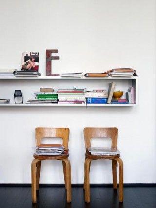 Love love love bookshelves.  pinned by www.auntbucky.com  #bookshelves #DIY