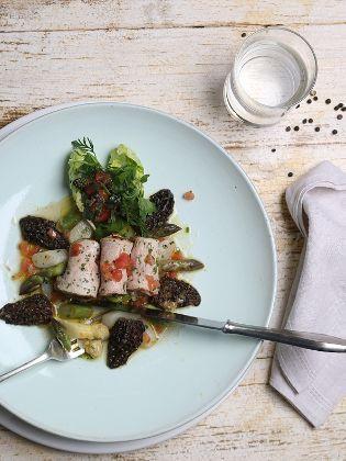 Marinierter Kalbsrücken mit Spargel-Morchel-Salat