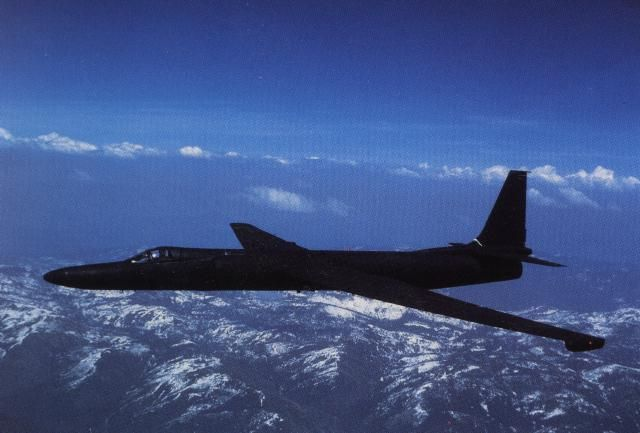 L'avion espion U2 (Read more : http://u2009.skyrock.com/1675521328-L-avion-espion-U2.html ) #u2newsactualite #u2newsactualitepinterest #u2 #bono #larrymullen #adamclayton #theedge #music  http://u2009.skyrock.com/