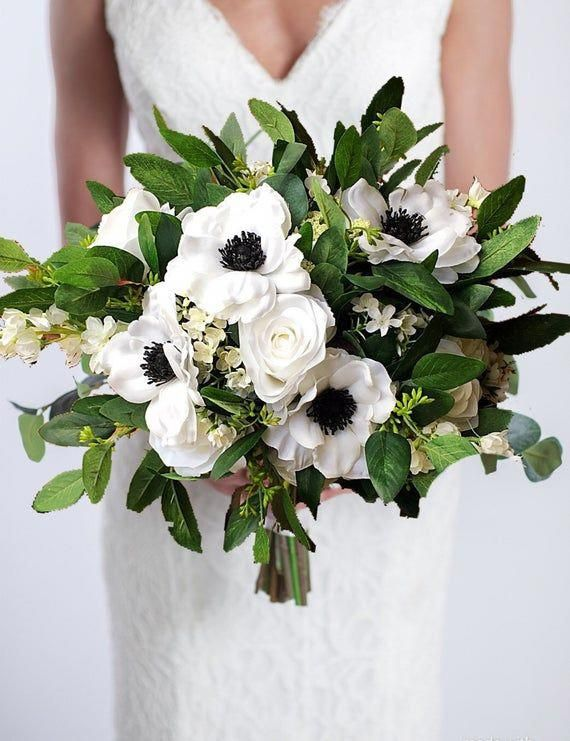 NEW Anemone Bouquet, White Wedding Bouquet, Bridal Bouquet with Greenery, Wedding Flowers, Black and white anemones, Bridesmaid Bouquets #bridesmaidbouquets