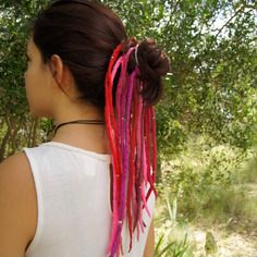 Dreadlocks laine feutrée grand modèle 33 cm, rouge/rose/fuchsia/brun
