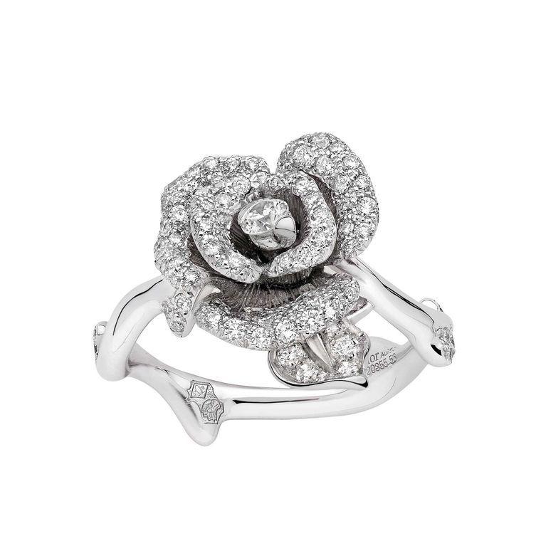 Rose Dior Bagatelle diamond ring in white gold