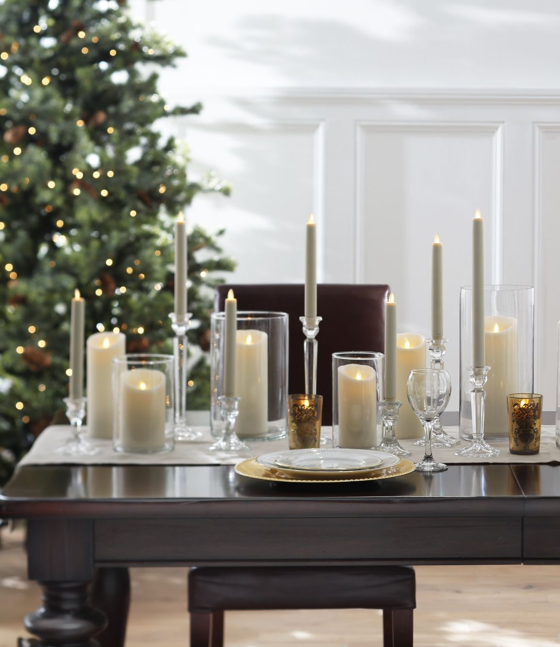 Easy Elegant Flameless Candle Christmas Centerpiece Ideas Pillar Candle Centerpieces Christmas Table Centerpieces Candles