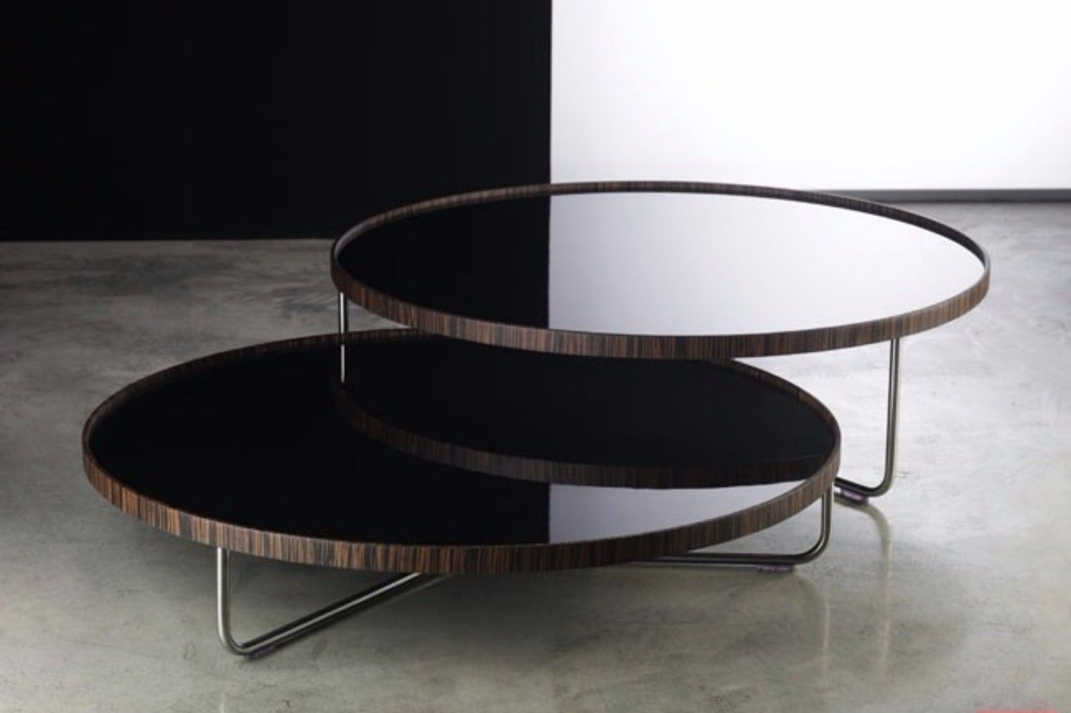 Get Inspired By The Most Trendy Materials Used In Coffee Tables Www Bocadolobo Com Bocadolobo Nesting Coffee Tables Coffee Table Design Organic Coffee Table
