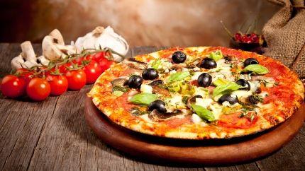 طريقة عجينة البيتزا الايطالية Recipe Yummy Food Food Pakistani Food