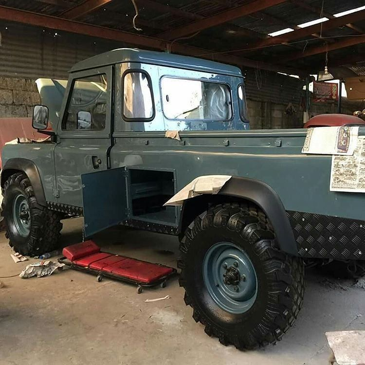 """Military Land Rover Discovery 1995: """"Ex-Military 110"""" By @landrover_ph #landrover #Defender110"""