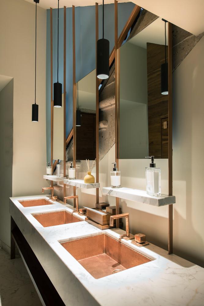 Gallery Of Herencia Hotel Budic 9 Restroom Design Master Bathroom Decor Public Bathrooms