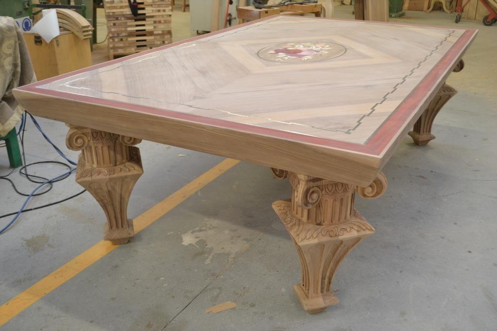 Tavoli classici su misura costruiamo con progettazione che include ...