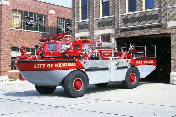 Milwaukee Fire Boat {DUKW}